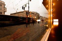 St Petersburg, vista di prospettiva di Nevsky dalla finestra del caffè Fotografia Stock