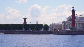 St Petersburg Vue de l'île de Vasilievsky banque de vidéos