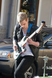 St Petersburg, wrzesień 09,2016: Ulica muzyk bawić się na ulicie St Petersburg Zdjęcia Royalty Free