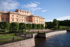 St- Petersburggebäude Stockbilder