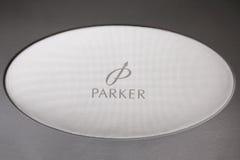 ST PETERSBURGO, RUSIA - 12 de julio de 2015: Logotipo de Parker Parker Pen Company es fabricante de plumas de lujo Imagenes de archivo