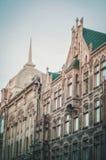ST PETERSBURGO, RUSIA - 26 de julio: Fachada europea con la ventana en el edificio histórico en St Petersburg, Rusia, el 26 de ju fotografía de archivo