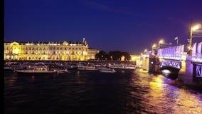 St- Petersburgscheidung überbrückt den Winter-Palast stock video
