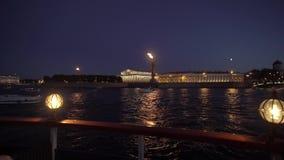 St- Petersburgstadt nachts stock footage