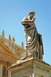 St- Petersmonument in Vatikanstadt Stockfotos