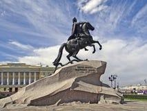 St PIETROBURGO, RUSSIA - 20 giugno 2013: Foto del cavallerizzo bronzeo - monumento a Peter I Immagine Stock