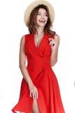 St rojo del vestido del algodón de la mujer del desgaste moreno largo atractivo hermoso del pelo fotos de archivo
