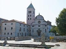 St ` s Maryjny kościół i Archeological muzeum w Zadar Starym miasteczku, Chorwacja zdjęcia royalty free