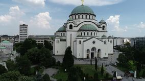 St Sava tempel, Belgrado, luchtmening stock video
