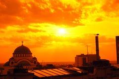 St Sava Temple à Belgrade dans le coucher du soleil image libre de droits