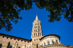 St Sernin Basilica i Toulouse Frankrike Royaltyfri Bild