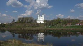 St Sophia Cathedral, giorno di Sunny April Polatsk, Bielorussia stock footage