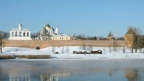 St Sophia Cathedral in Veliky Novgorod, Russia archivi video