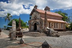 St Stanislaus教会在Altos de Chavon, Casa de Campo,多米尼加 库存照片