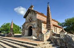 St Stanislaus Church, Altos de Chavon, La Romana, dominicano con riferimento a Fotografia Stock Libera da Diritti