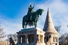 St Stephen van het Standbeeld van Hongarije stock afbeeldingen