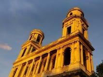 St Sulpice教会在日落的巴黎 免版税库存图片