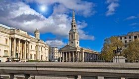 St-Svala-i--fält Trafalgar Square London England Arkivfoto