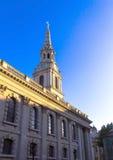 St Svala-i- fältkyrka i staden av Westminster london uk Fotografering för Bildbyråer