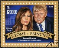St THOMAS ET PRINCE ISLANDS - 2016 : expositions Donald John Trump président né de 1946 Américains, atout de Melania soutenu 1970 Photographie stock