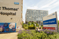 St Thomas Hospital i London royaltyfria foton