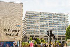 St Thomas Hospital i London royaltyfria bilder