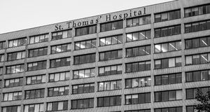 St Thomas Hospital i London - LONDON - STORBRITANNIEN - SEPTEMBER 19, 2016 arkivfoto