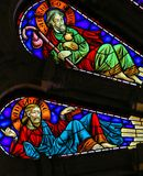 St Thomas y San Jaime - vitral en Viana do Castelo imagen de archivo