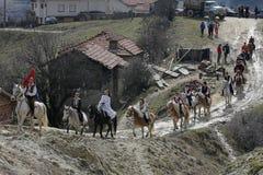 St Todor 's dag Het ras met paarden en van de paardentrekkracht karren met zwaar opent Todorov-dag het programma Royalty-vrije Stock Fotografie