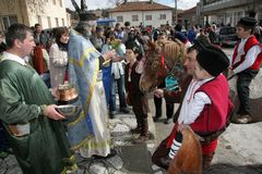 St Todor 's dzień Ściga się z koniami i konie ciągną fury z ciężkim notują dalej Todorov dzień obraz royalty free