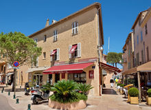 St Tropez - архитектура города стоковые фотографии rf