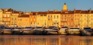St Tropez в свете вечера стоковое фото