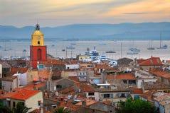 St.Tropez en la puesta del sol Fotos de archivo libres de regalías