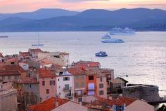 St.Tropez no por do sol foto de stock