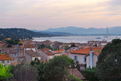 St.Tropez am Sonnenuntergang Stockbild