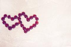 St-valentin konkreta bakgrund med en hjärta Royaltyfria Bilder