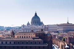 st vatican peter rome s фонтана города bernini базилики предпосылки квадратный st peter s базилики Панорамный взгляд Рима и St Стоковая Фотография RF