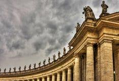 st vatican peter s колоннады базилики Стоковые Изображения RF