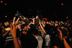 St. Vincent (band) crowd surfing at Apolo Royalty Free Stock Photos