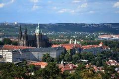 St. Vitus大教堂和布拉格城堡 库存图片