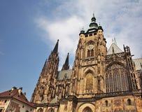 St Vitus大教堂在布拉格 cesky捷克krumlov中世纪老共和国城镇视图 免版税库存图片
