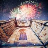 St Vitus Cathedral au château de Prague dedans sous le bleu clair photos libres de droits