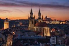 St Vitus Cathedral e chiesa della nostra signora, Praga, Fotografia Stock