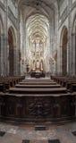 St Vitus Cathedral i Hradcany, den mest berömda kyrkan i Pragu Royaltyfri Foto