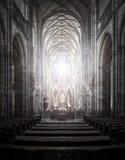 St Vitus Cathedral i Hradcany, den mest berömda kyrkan i Pragu Fotografering för Bildbyråer