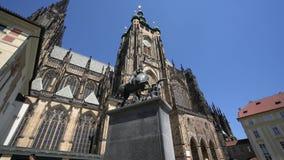 St Vitus Cathedral a Praga video d archivio
