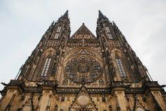 St Vitus Cathedral a Praga nell'inverno Immagine Stock Libera da Diritti