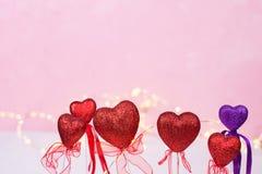 St walentynki tło Granica od kolorowych serc i obrazy royalty free