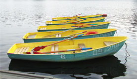 Stać z rzędu łódź Fotografia Stock