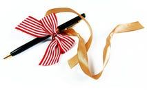 Stały pióro jako prezenta zakończenie up Zdjęcia Royalty Free